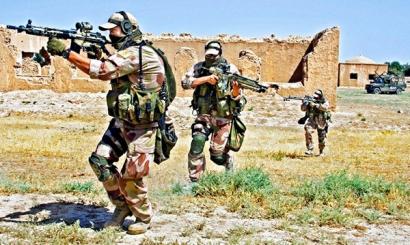 Военнослужащие Латвии с автоматической винтовкой G3