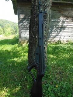 Полуавтоматическая винтовка SAR8 от компании Springfield Armory