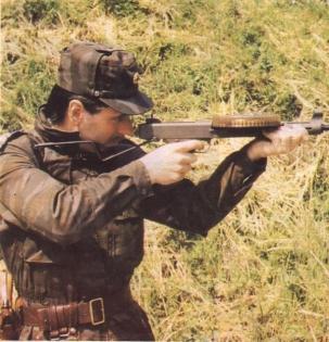 Пистолет-пулемет MGV-176 под патрон калибром .22LR, Югославия