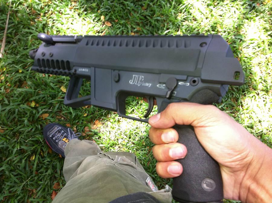 Филиппинский 9мм пистолет-пулемет JP Factory