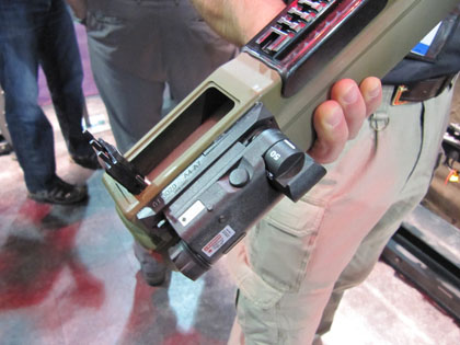 Лазерный целеуказатель в сборе с гранатометом M72 LAW