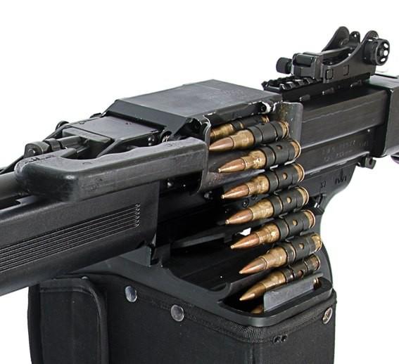 Израильский пулемет NEGEV NG7 с ленточным питанием из короба