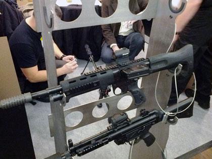 Винтовка Fallschirmjägergewehr 42 эпохи Второй Мировой войны в современном исполнении