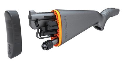 Полуавтоматическая винтовка AR-7 в разобранном состоянии и уложенная в приклад