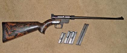 Оригинальная винтовка AR-7 разработанная Юджином Стоунером