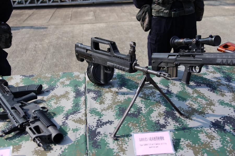 День открытых дверей ВМФ Китая. Ручной пулемет с барабанным магазином по схеме буллпап