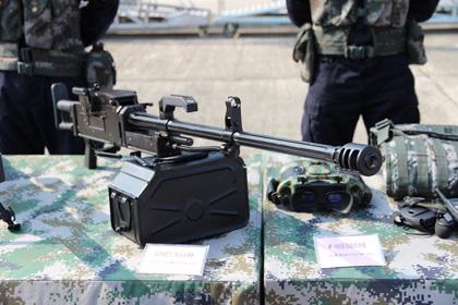 День открытых дверей ВМФ Китая. Ручной пулемет