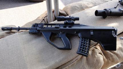 Штурмовая винтовка F90 с пламегасителем