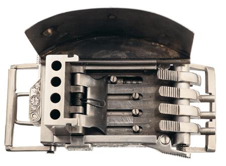 Нацистская пряжка для ремня 22-го калибра. Внутреннее устройство