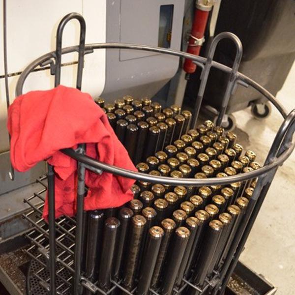 Заготовки для ствола. Каждая заготовка будет подвергнута сверлению и нарезке на токарном станке с ЧПУ