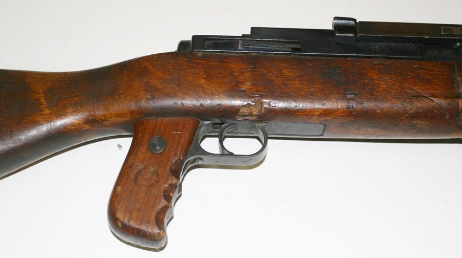 Ручной пулемёт Mendoza. Деревянное ложе и рукоятка ведения огня