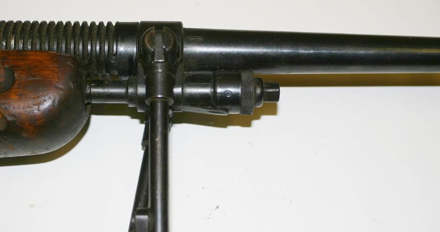 Ручной пулемёт Mendoza. Газоотводная трубка