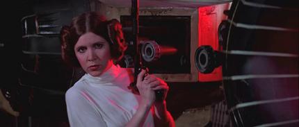 В эпизоде Новая надежда принцесса Лея уничтожает имперского штурмовика с помощью бластера на базе пистолета Марголина