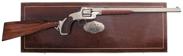 В люксовом исполнении кейс для хранения винтовки Smith & Wesson Model 320 также изготавливался из дерева грецкого ореха