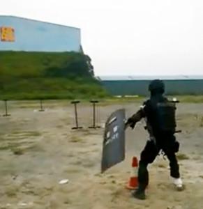 Необыкновенные тренировки полицейских в Шанхае