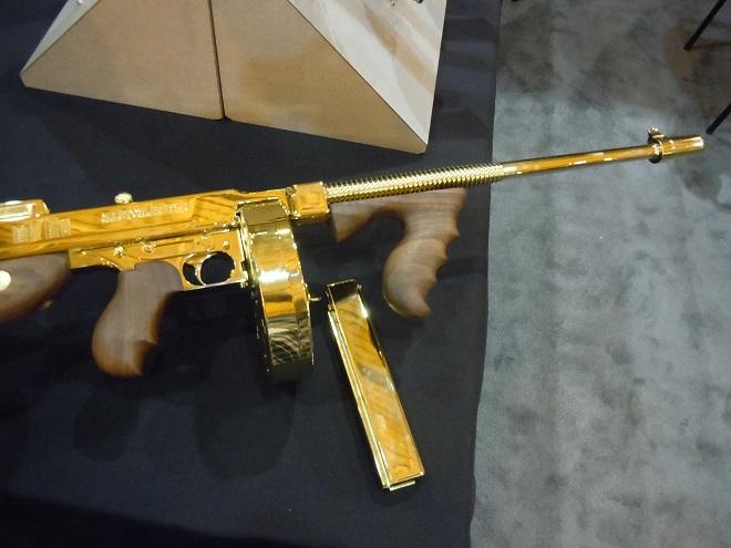 Золотой Tommy gun, творение Auto-Ordnance
