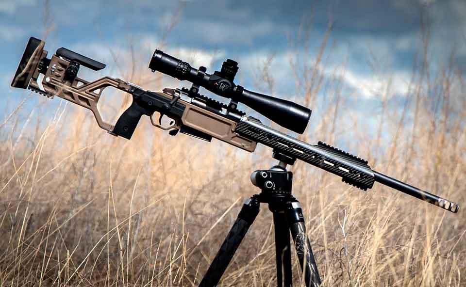 Магазинная винтовка NEMO Arms DAKKAR установленная на треногу