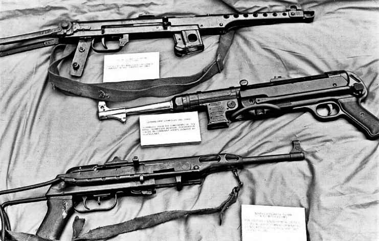 Сверху вниз: ППС-43, МП-40, K-50M