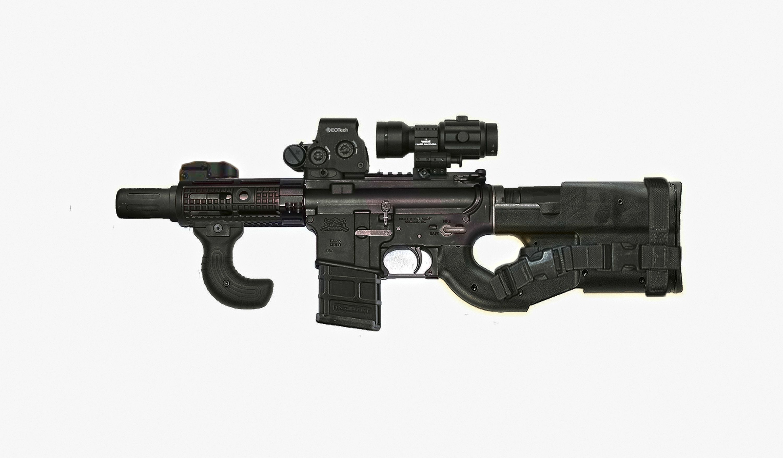 Комбинация-карабина-AR-15-и-пистолета-пулемета-FN-P90